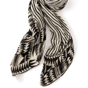 NWOT Union Square Scarf - Black & Cream Tribal Geo